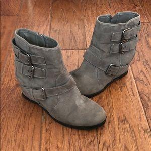 Unisa grey suede boots 🥾